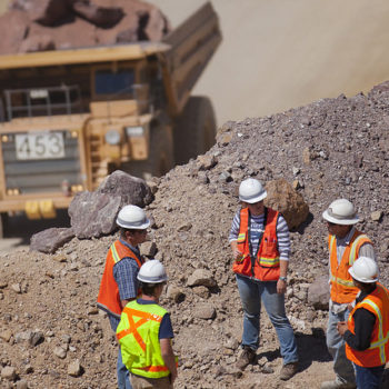 UNR students tour a construction site